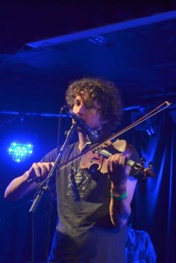 Fiddle Playing Sam Amidon Style