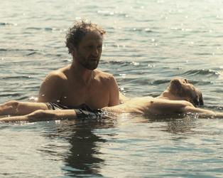 Andrzej-Chyra-and-Mateusz-Kosciukiewicz-In-The-Lake-med