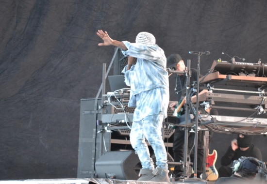 Kanye West enters Stage - Dublinl