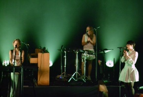 agnes-obel-with-band-vicar-street-2016