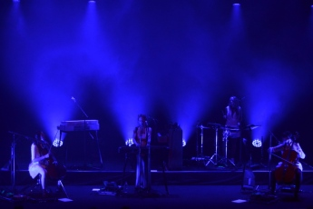 agns-obel-band-in-blue